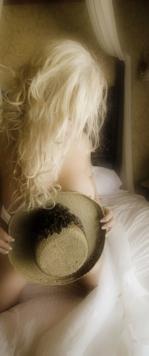 Nejia nuru massage in Johnston and escort girls