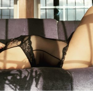 Shannone escort & happy ending massage