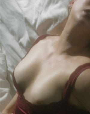Nattie nuru massage in Eagan MN & escort