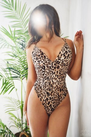 Juliana erotic massage in Kettering MD