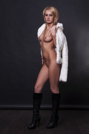 Marie-blanche erotic massage, call girl