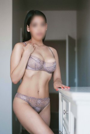 Jeromine nuru massage in Fortuna Foothills and bbw escort girls